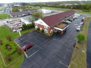 A bird's-eye view of Claremore Motor Inn