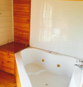 A bathroom at Pennyroyal Otways Retreat