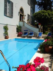 Piscina di Villa Annamaria B&B o nelle vicinanze