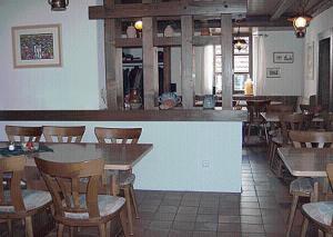 Lounge oder Bar in der Unterkunft Landhotel Niederthäler Hof