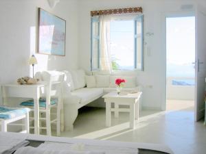 Χώρος καθιστικού στο Studios Anemomilos