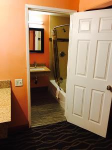 A bathroom at Relax Inn