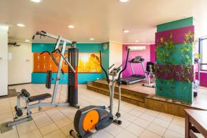 The fitness centre and/or fitness facilities at Golden Fortaleza by Intercity
