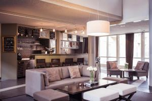 The lounge or bar area at Radisson Blu Royal Park Hotel
