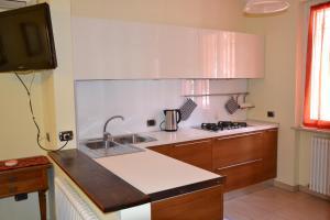A kitchen or kitchenette at B&B Marelido di Fano