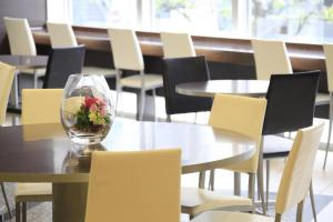 A restaurant or other place to eat at R&B Hotel Hachioji