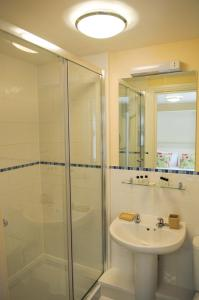 A bathroom at Your Stay Bristol Cotham Lawn