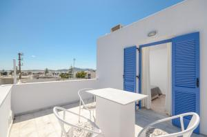 A balcony or terrace at Windmill Naxos