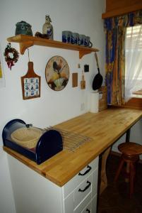 A kitchen or kitchenette at Ferienwohnung in Davos