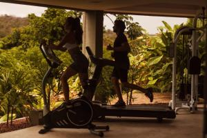 The fitness center and/or fitness facilities at Villas Supreme Hotel
