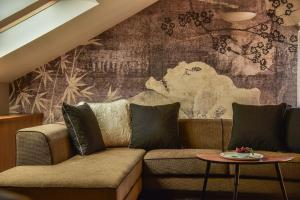 A seating area at Hotel Draga di Lovrana