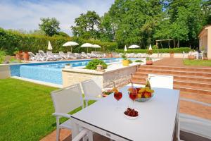 The swimming pool at or near Apartments Tena
