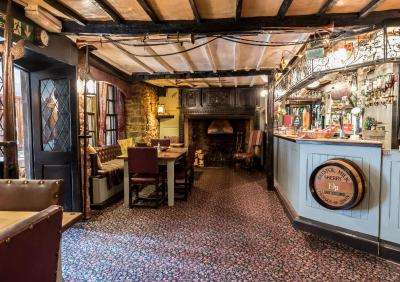 The Dusthole /The Kings Arms - Laterooms