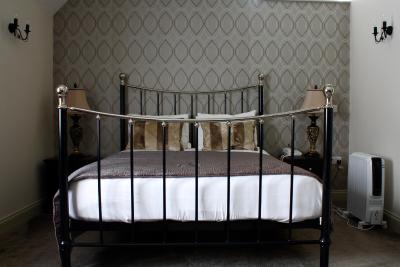 The George at Baldock, Hotel, Bar and Restaurant - Laterooms