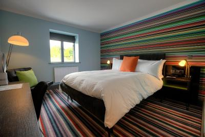 Village Hotel Cardiff - Laterooms