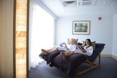 Lensbury Resort - Laterooms
