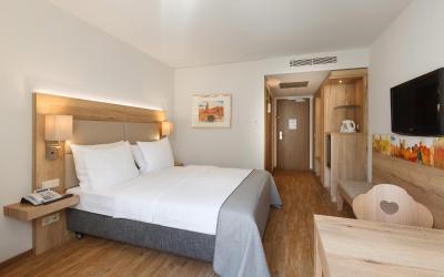 Holiday Inn NÜRNBERG CITY CENTRE - Laterooms
