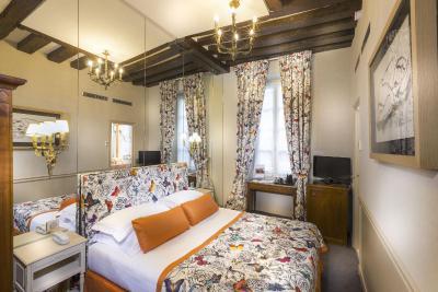 Hôtel Dauphine Saint Germain - Laterooms