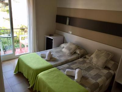 Hostal Termes - Laterooms