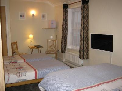 Tudor House Guest House - Laterooms