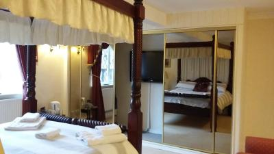 Featherstone Farm Hotel - Laterooms