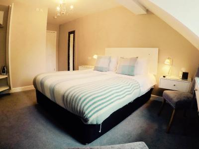 The Nags Head Hotel - Laterooms