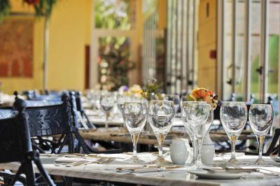 Vik Hotel San Antonio - Laterooms