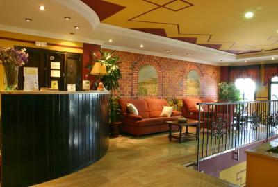 HOTEL LAS ROSAS - Laterooms