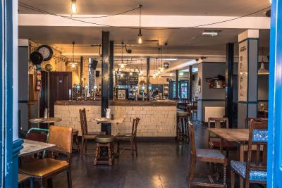 The Old Ship Inn - Hackney - Laterooms