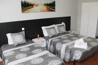 Residencial Lunar - Laterooms