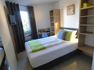 Art Inn Hotel Dinslaken - Laterooms