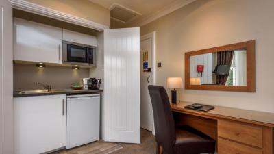 Lennox Lea Hotel & Apartments - Laterooms