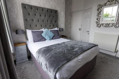 The Clifton Hotel - Laterooms