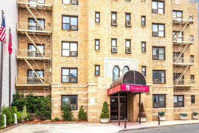 Ramada Jersey City - Laterooms