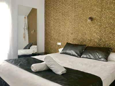 Sealand Sitges Apartments - Laterooms