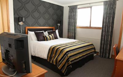 New Inn Hotel Limited - Laterooms