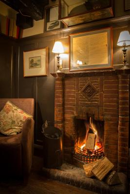 The Queens Head Inn and Restaurant - Laterooms