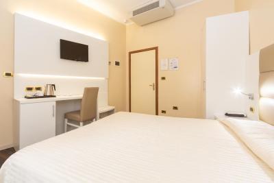HOTEL UNIVERSITY - Laterooms