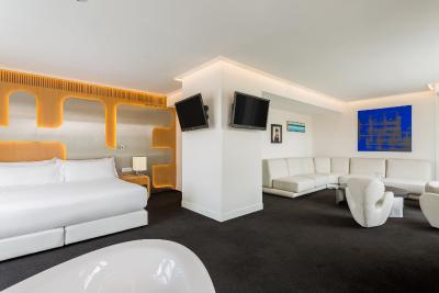 Room Mate Oscar - Laterooms