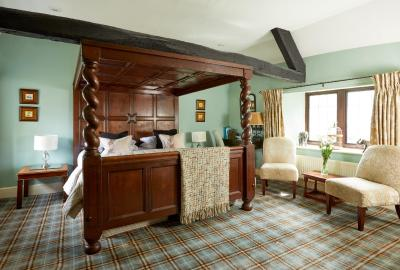 Burford House - Laterooms