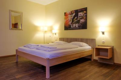 Euro Youth Hotel - Laterooms