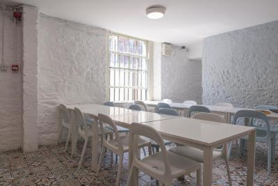 Abrahams Hostel - Laterooms
