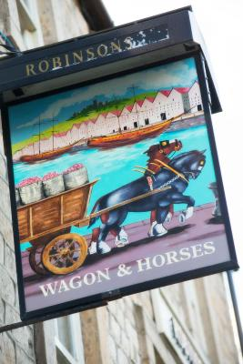 Wagon and Horses - Laterooms