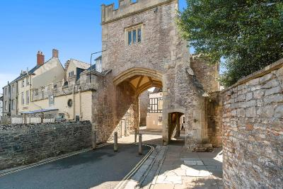 Ancient Gatehouse - Laterooms