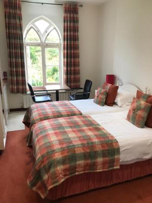 Undercliff Guest House - Laterooms