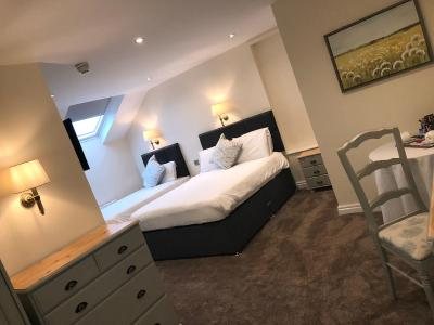 The Sitwell Arms Hotel - Laterooms