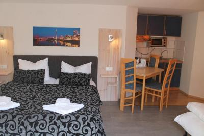 City Lounge Hotel - Laterooms