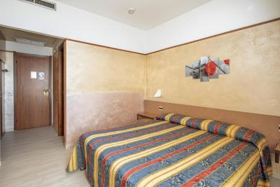 Hotel Plaza - Laterooms