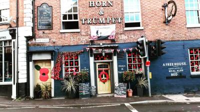 The Horn & Trumpet - Laterooms