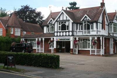 Gatwick Belmont Guest House - Laterooms